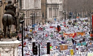The-Iraq-war-protest-in-L-011